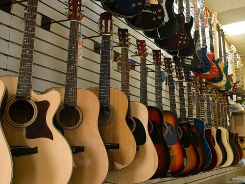 Выбор акустической гитары