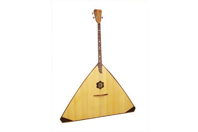Музыкальный инструмент балалайка-контрабас