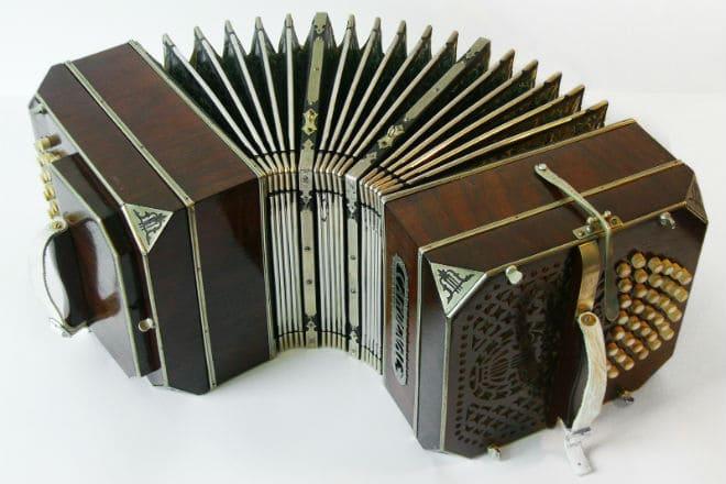 Музыкальный инструмент бандонеон