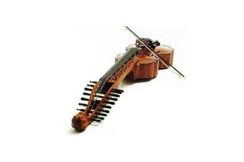 Струнный музыкальный инструмент баритон