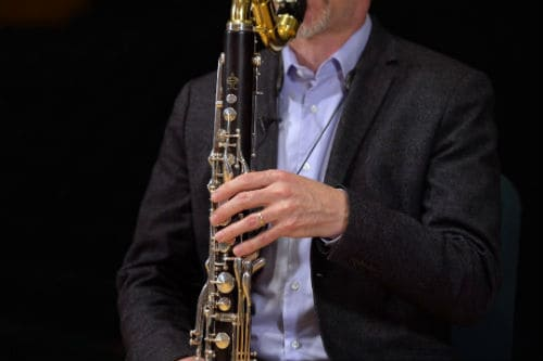 Техника игры на бас-кларнете