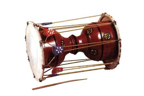 Музыкальный инструмент чангу
