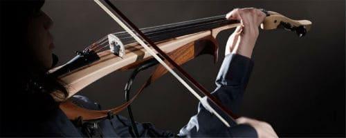 Как играть на электрической скрипке?