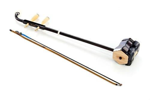 Музыкальный инструмент эрху