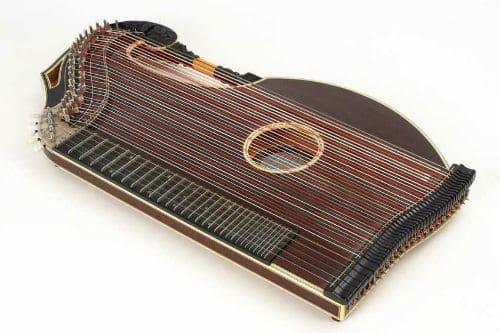 Музыкальный инструмент цитра