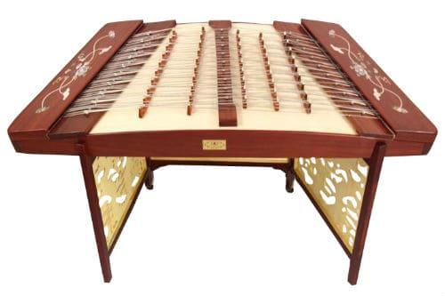 Музыкальный инструмент янцинь