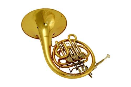 Музыкальный инструмент валторна