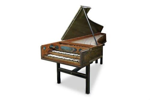 Музыкальный инструмент клавесин