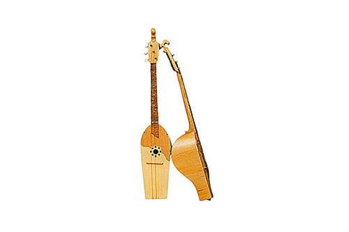 Музыкальный инструмент дала-фандыр