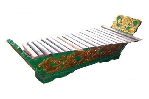 Музыкальный инструмент гамбанг