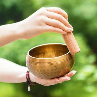 Непальская поющая чаша - разновидность гонга