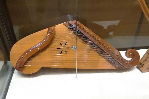 Музыкальный инструмент канклес