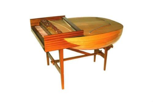 Музыкальный инструмент лютневый клавесин
