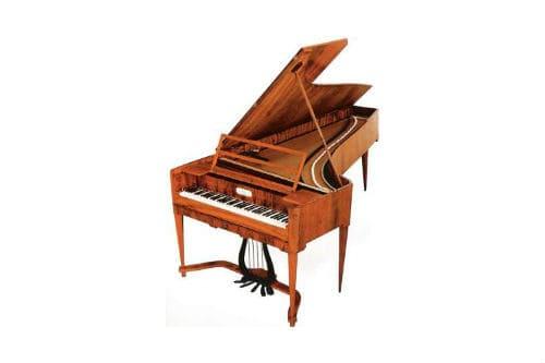 Музыкальный инструмент молоточковое фортепиано