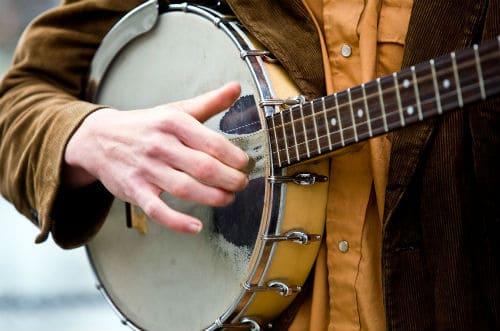 Игра на банджо