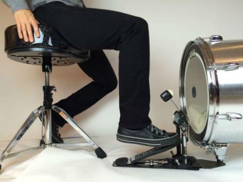 Игра на большом барабане