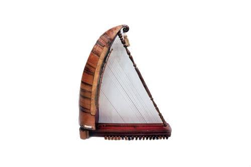 Музыкальный инструмент чанг