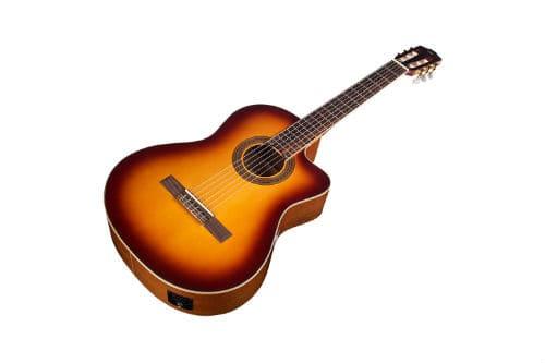 Музыкальный инструмент классическая гитара