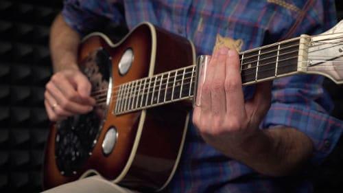 Игра на резонаторной гитаре
