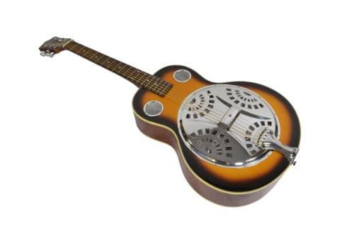 Музыкальный инструмент резонаторная гитара