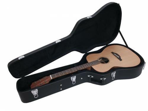 Вестерн-гитара в футляре