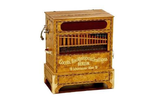 Музыкальный инструмент шарманка
